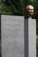 Luise-Büchner-Denkmal Darmstadt Foto: Jutta Schütz