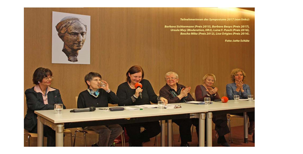 Symposium mit Trägerinnen des Luise Büchner-Preises (von links): Barbara Sichtermann (2015), Barbara.Beuys (2017), Ursula.May (HR 2), Luise F.Pusch (2016), Bascha Mika (2012), Lisa Ortgies (2014). Foto Jutta Schütz